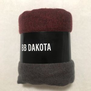BB Dakota Mulberry Poncho